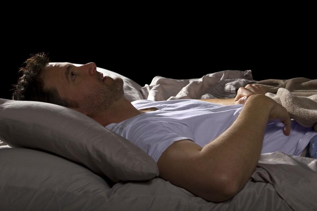 Betroffene wachen oft scheißgebdet au und finden nur schwer wieder in den Schlaf. (Bild: Innovated Captures/fotolia.com)