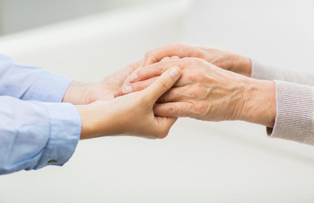 Viele Änderungen der Pflegereform treten bereits ab Januar 2016 in Kraft. (Bild: Syda Productions/fotolia.com)