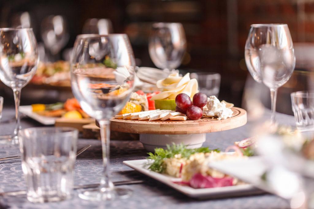 Wenn das Essen schön zubereitet wird, kommt auch der Appetit wieder. Bild: Maksim Shebeko - fotolia