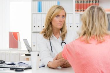 Neuer Service soll Kassenpatienten dabei helfen, schneller einen Facharzttermin zu bekommen. Bild: Picture-Factory - fotolia