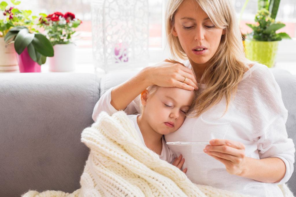 Ab wann ist Fieber für Kinder gefährlich? Bild: Kaspars Grinvalds - fotolia