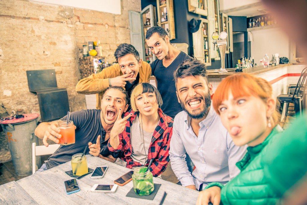 Die Wirkung von Alkohol ist bei Menschen in Finnland laut einer Studie anders als in Mitteleuropa. Bild: © oneinchpunch - fotolia