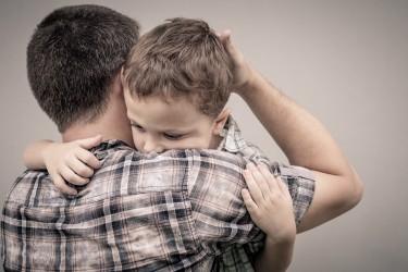 Kinder benötigen Gespräche, um Ängste zu verstehen und zu verarbeiten. Bild: altanaka - fotolia