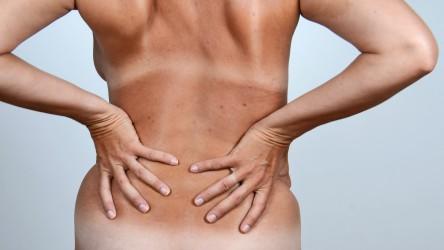Besonders häufig Erzieherinnen leiden unter Rückenschmerzen. Bild: photo 5000 - fotolia