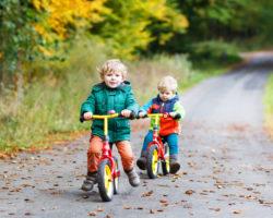 Laufräder helfen Kinder das Gleichgewicht zu erlernen. Bild:  Irina Schmidt - fotolia