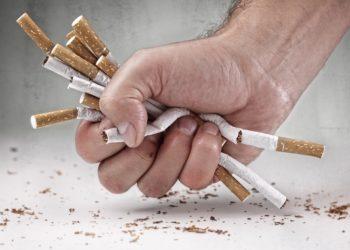 Immer weniger Menschen rauchen in Deutschland. Bild: Brian Jackson - fotolia