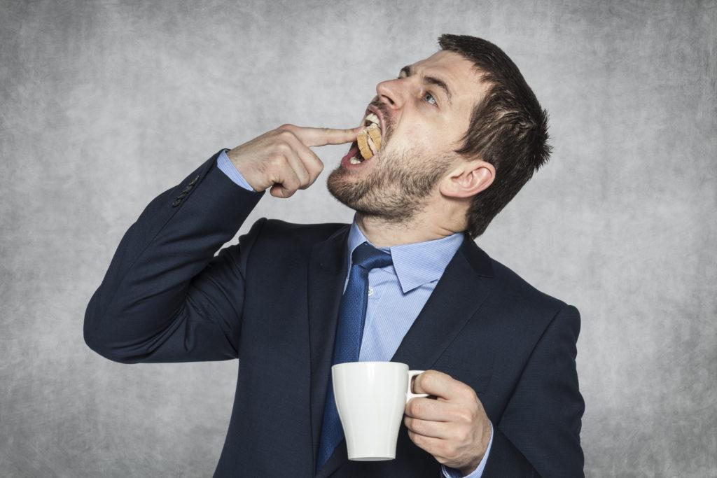 Wer zu schnell isst, nimmt auch schnell zu. Bild: aleksicze - fotolia