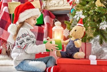 Geschenke sind nicht alles: Rituale und Atmosphäre ist wichtiger. Bild: Konstantin Yuganov - fotolia