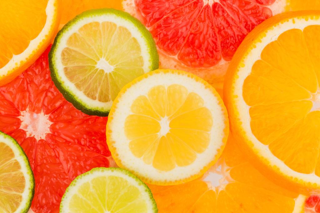 Die Schale von Zitrusfrüchten nur von Bio-Früchten verwenden. Bild: Gina Sanders - fotolia