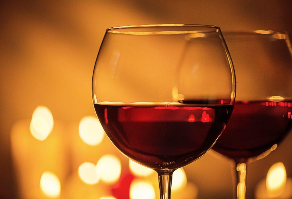 Moderater Alkoholkonsum kann das Sterberisiko im Frühstadium von Alzheimer deutlich reduzieren. (Bild: BillionPhotos.com/fotolia.com)