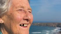 Bei Menschen mit Diabetes ist Risiko eines Zahnverlustes deutlich erhöht. (Bild: acceleratorhams/fotolia.com)