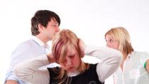 Die Familienverhältnisse haben maßgeblichen Einfluss auf die Psyche der Kinder. (Bild: klickerminth/fotolia.com)