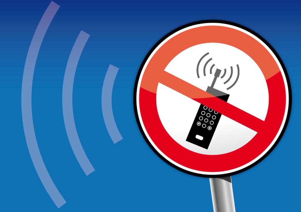Die Strahlenbelastung durch Smartphones sollte möglichst minimiert werden. (Bild: Trueffelpix/fotolia.com)