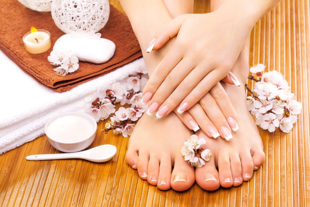 Die richtige Pflege für Finger und Fussnägel. Bild: Dmytro Titov - fotolia
