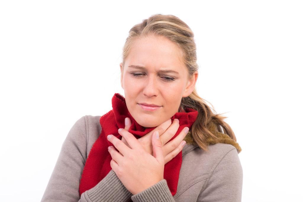 Apotheker raten bei Halsschmerzen. Bild: Picture-Factory - fotolia