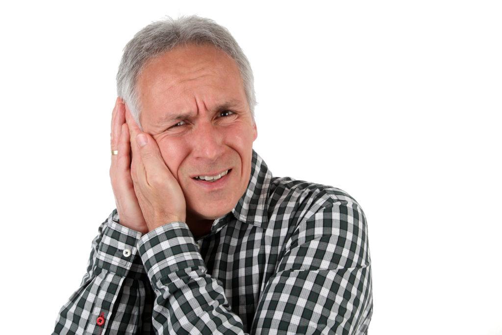 Bei einer Mittelohrentzündung können schwerwiegende Komplikationen auftreten. Bild: Klaus Eppele - fotolia