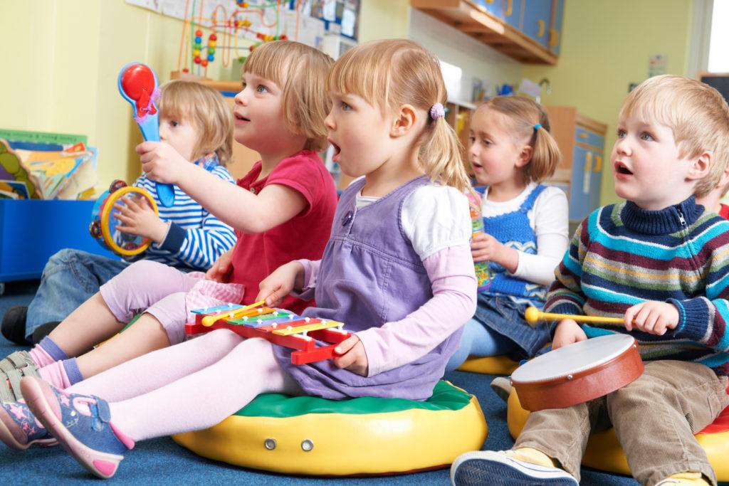 Kinder müssen auch mal ohne Erwachsene sein. Bild: highwaystarz - fotolia
