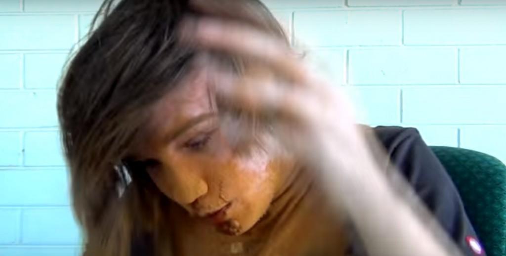 Zimt-Spiel: Junge erstickt fast am Zimt-Spiel. Bild: Youtube