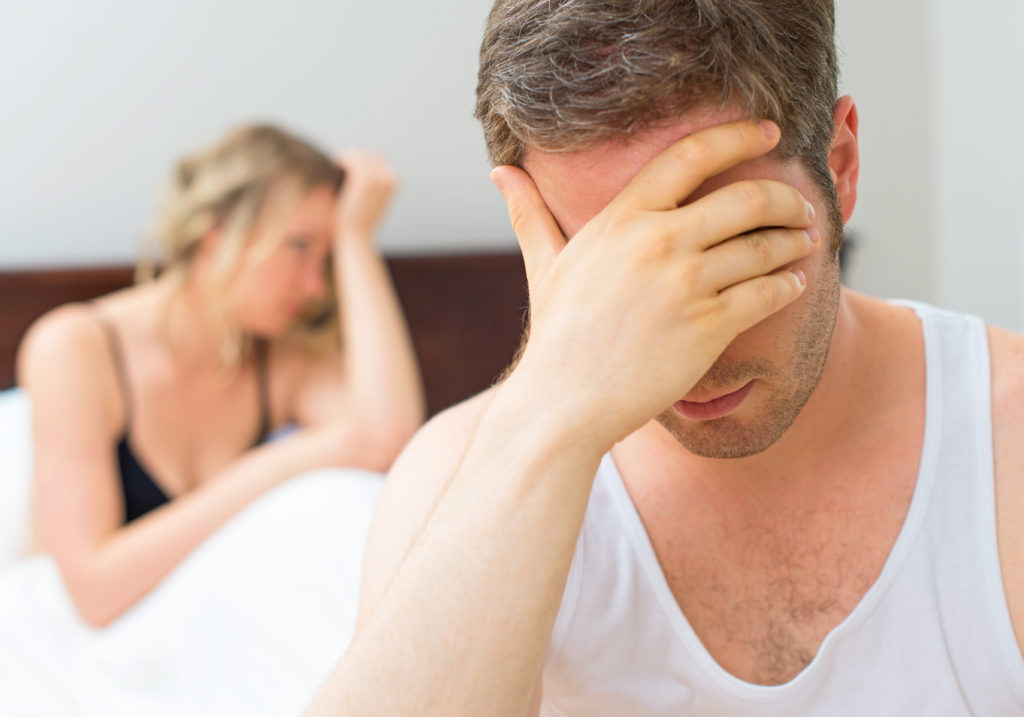 Erektionsstörungen können zu einer erheblichen Belastung für die Beziehung werden. (Bild: dmitrimaruta/fotolia.com)