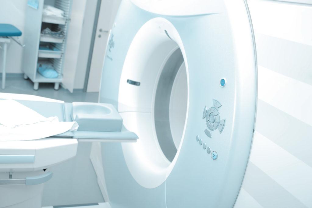 Dank deutlich verbesserter Diagnosemöglichkeiten können Krebserkrankungen heute oftmals schon früh erkannt werden, wodurch die Chancen auf eine erfolgreiche Behandlung steigen. (Bild: sudok1/fotolia.com)