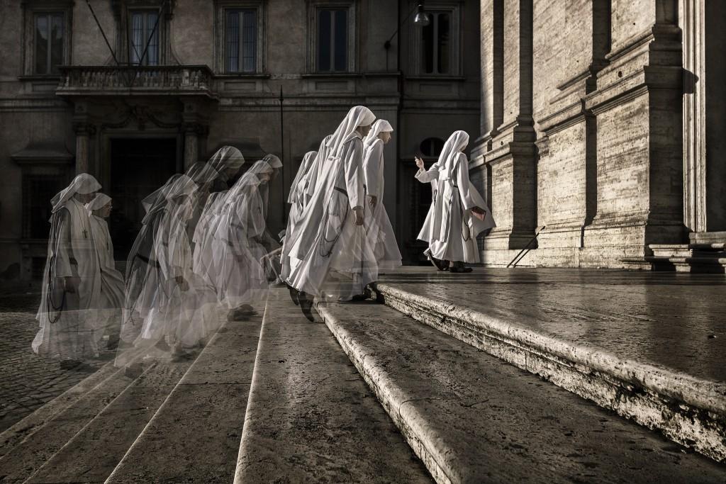 Massenpsychosen mit körperlichen Symptomen waren früher zum Beispiel vermehrt bei Nonnen in Klöstern festzustellen. (Bild: alfonstr/fotolia.com)
