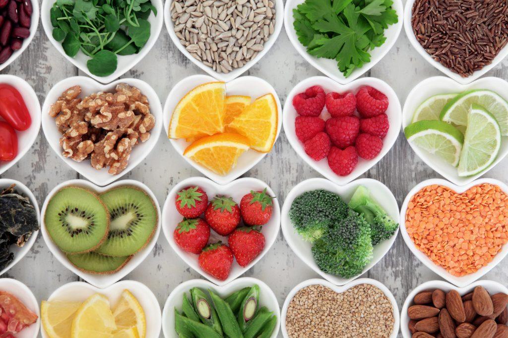 Die Flavonoide in Obst und Gemüse helfen, ein gesundes Körpergewicht zu halten. (Bild: marilyn barbone/fotolia.com)