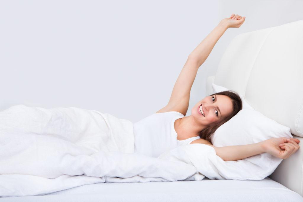 Unsere Schlafqualität wird maßgeblich durch die aufgenommene Nahrung beeinflusst. (Bild: Andrey Popov/fotolia.com)