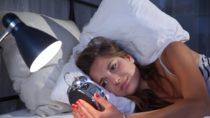 Bei Schlafstörungen zeigen sich Veränderungen im Gehirn, die mit Schlaganfällen und Demenz in Verbindung gebracht werden. (Bild: Sven Vietense/fotolia.com)