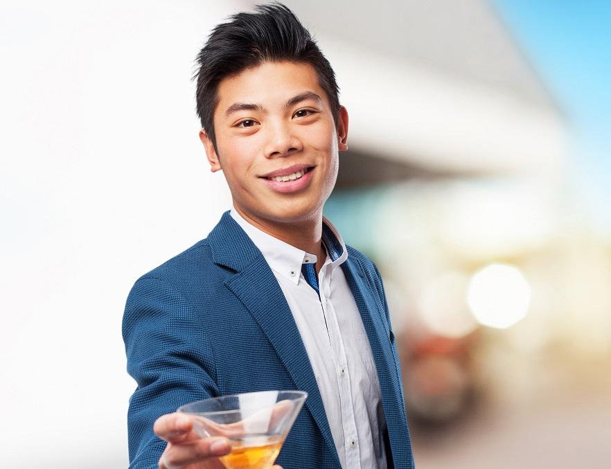 Neuer Drink aus Nordkorea soll keinen Kater verursachen. Bild: asierromero - fotolia