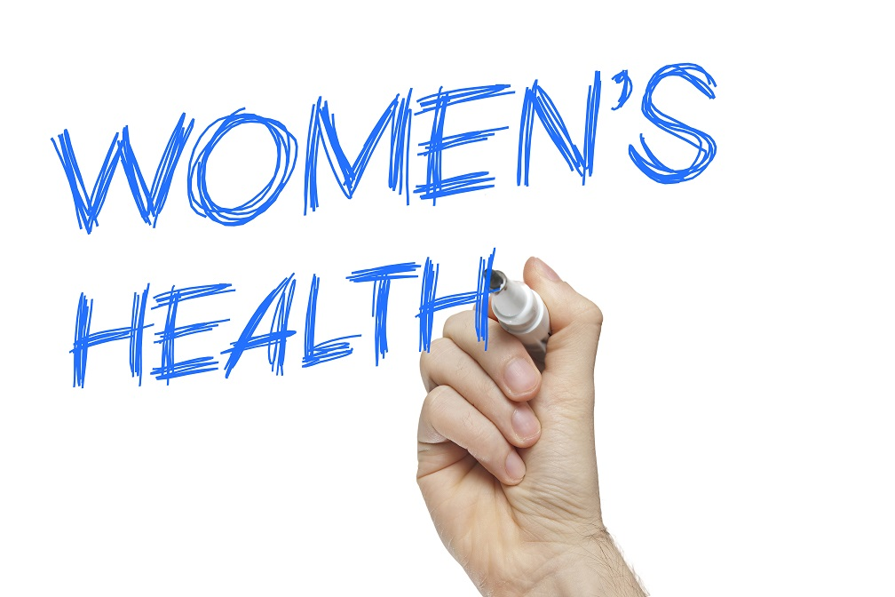 Viel Trinken in der Menopause. Bild: lculig - fotolia