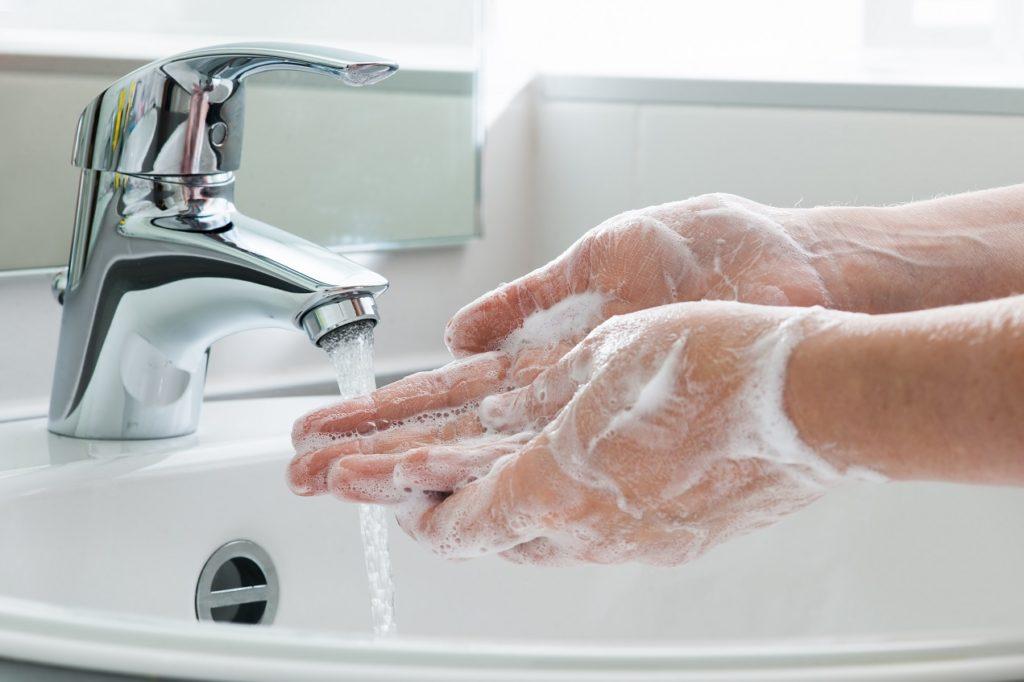 Der beste Schutz vor Infektionen: Richtiges und regelmäßiges Händewaschen. Bild: Alexander Raths - fotolia