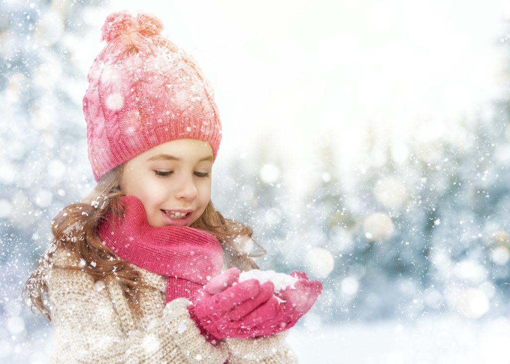 Kinderhaut auch vor geringer Kälte schützen. Bild: Konstantin Yuganov - fotolia