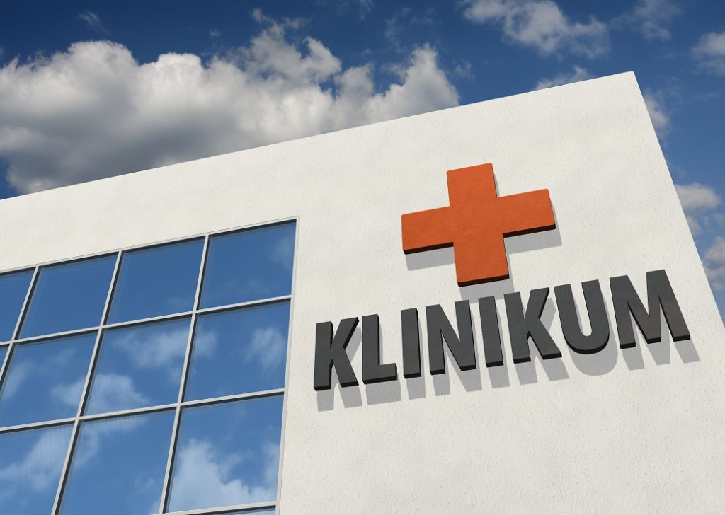 19 Jugendliche mussten in der Klinik notversorgt werden. Bild: bluedesign - fotolia