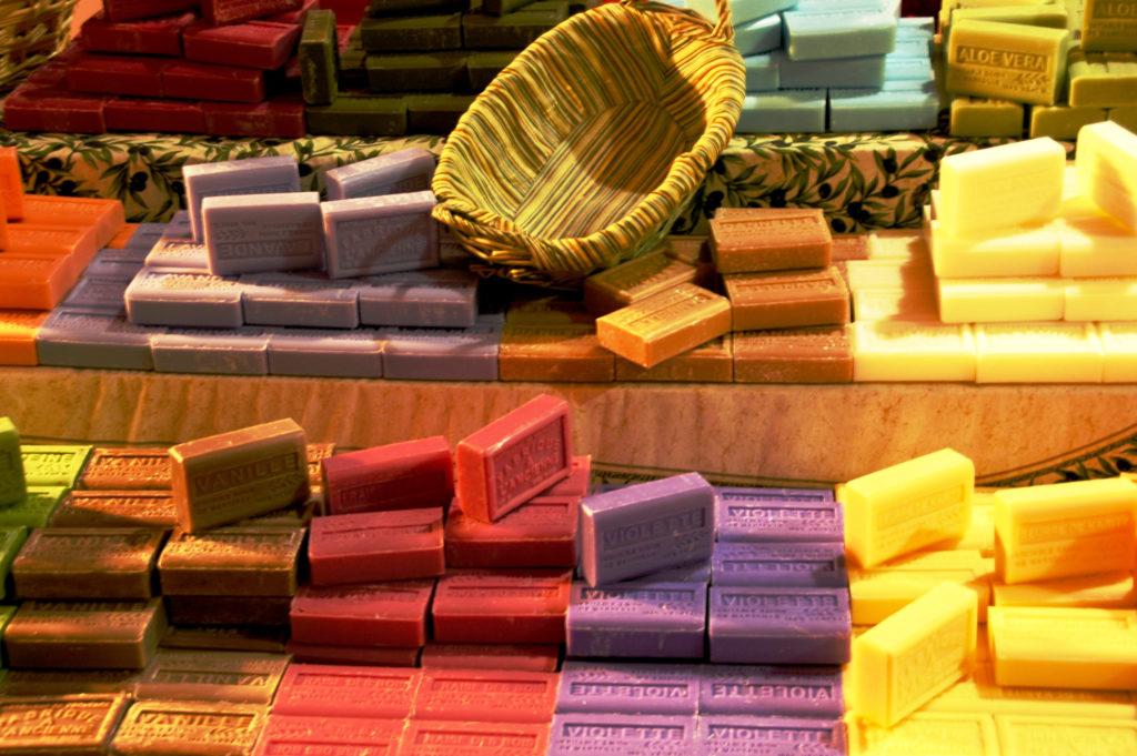 Ökologische Seifen ohne künstliche Stoffe. Bild: bisougue - fotolia