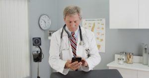 Neue Tumor-Diagnose per Smartphone. Bild: rocketclips - fotolia