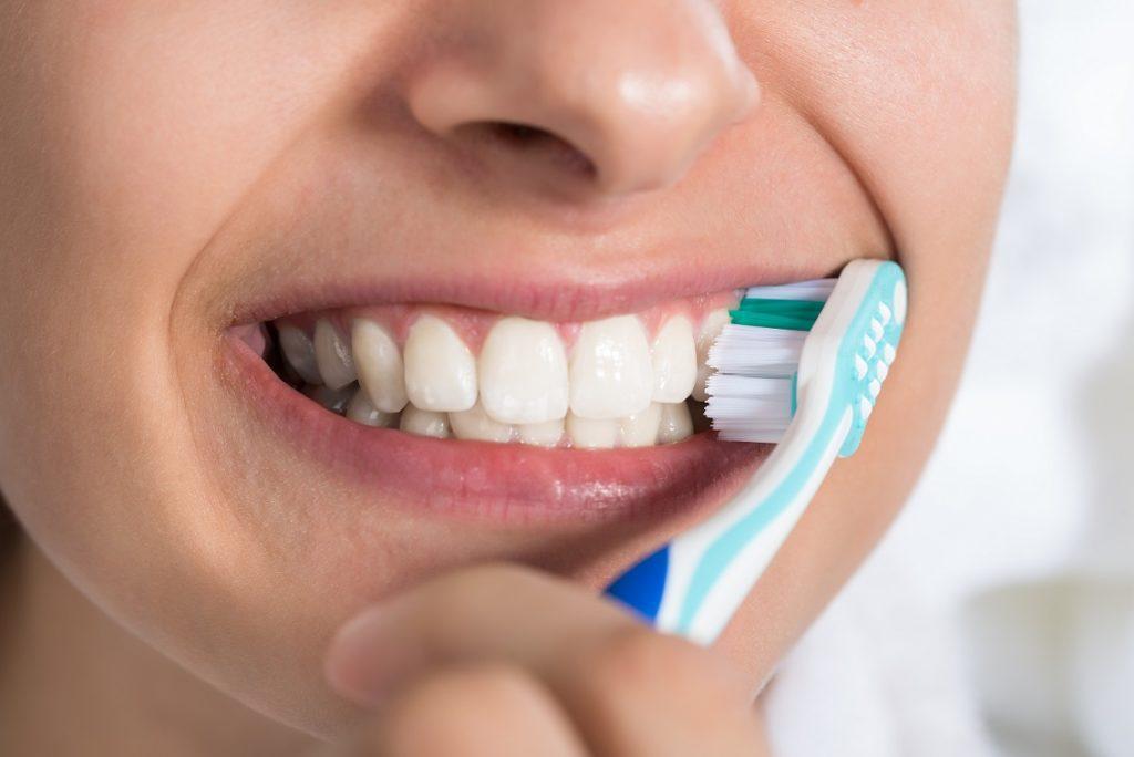 Gefährliche Hormone in Zahnpasta. Bild: Andrey Popov - fotolia