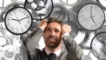 Überstunden sind laut einer aktuellen Studie des DGB für viele Beschäftigte unumgänglich. Sie arbeiten deutlich mehr, als nach Vertrag vorgesehen, was Stress und Beeinträchtigungen des Soziallebens mit sich bringt. (Bild: alphaspirit/fotolia.com)