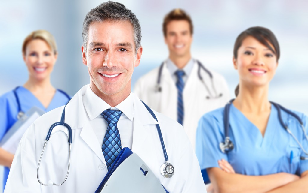 Kurze Ärmel für Ärzte. Bild: Kurhan - fotolia