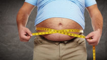 Selbst geringe Gewichtsabnahmen können bei Übergewichtigen bereits weitreichende positive Effekte erzielen. (Bild: Kurhan/fotolia.com)