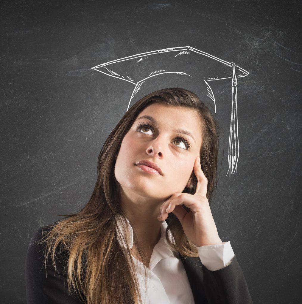 Ein hohes Bildungsniveau wirkt dem Risiko einer Demenz-Erkrankung entgegen. (Bild: alphaspirit/fotolia.com)
