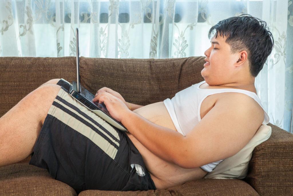Langes Sitzen führt zu einem deutlich erhöhten Diabetes-Risiko. (Bild: witthaya/fotolia.com)