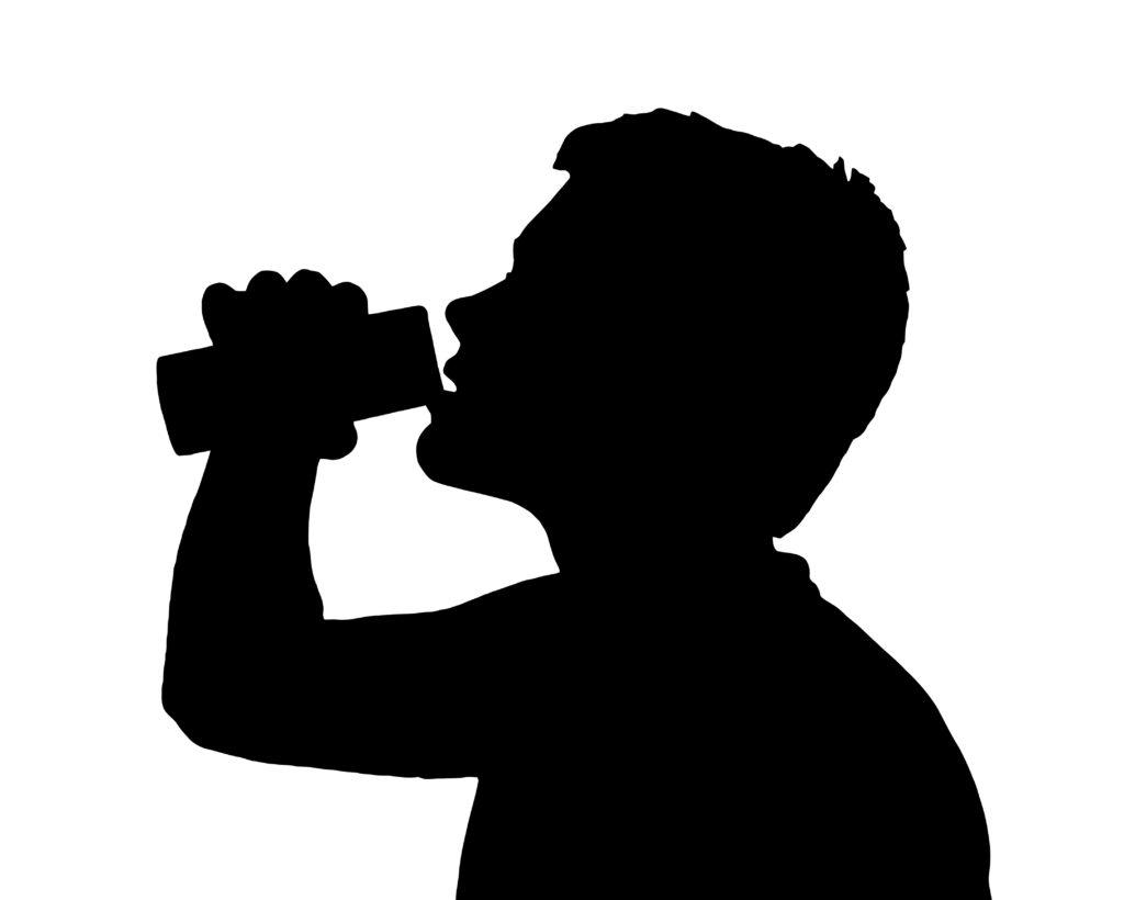 Energy Drinks sind für Kinder aufgrund des Koffeingehalts absolut tabu. (Bild: Snap2Art/fotolia.com)