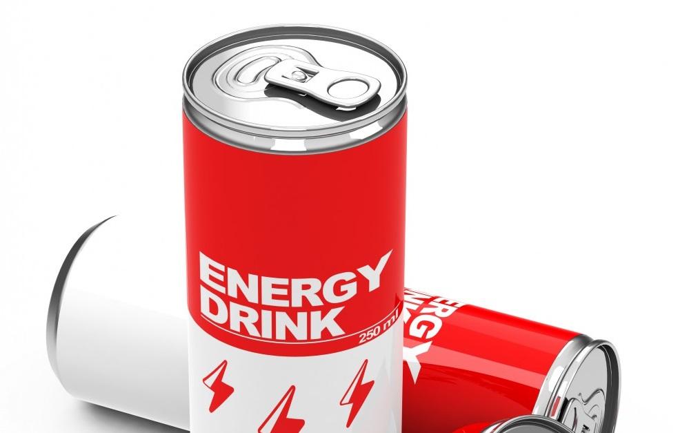 Foodwatch fordert Verbot für Jugendliche. Bild: Gesundheitsexperten plädieren für ein Verbot von Energydrinks. (Bild: beermedia.de/fotolia.com)