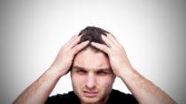 Viele Menschen leben in ständiger Angst vor schweren Erkrankungen, was bei ihren Mitmenschen oft auf Unverständnis stößt. (Bild: MarcoBagnoli Elflaco/fotolia.com)