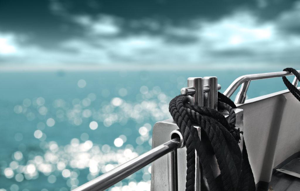 Die Position auf einem Schiff hat wesentlichen Einfluss auf das Auftreten der Seekrankheit. (Bild: magdal3na/fotolia.com)