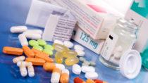 Die verschriebenen Arzneien pro Kopf variieren deutlich zwischen den einzelnen Städten und Regionen. (Bild: grafikplusfoto/fotolia.com)