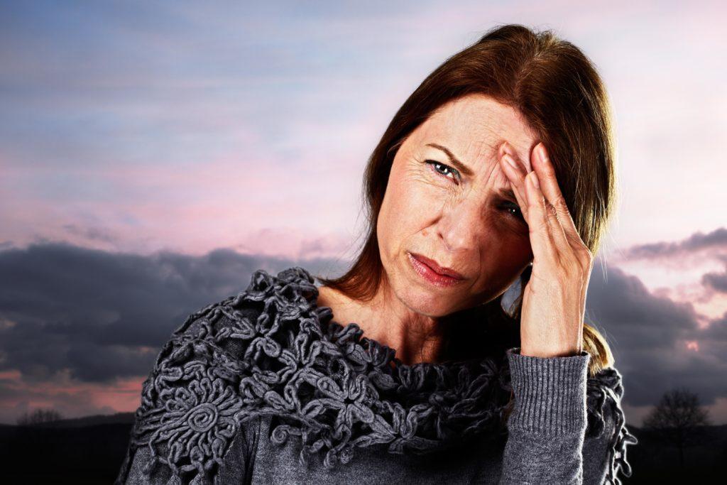 Frauen reagieren auf einen Wetterumschwung oft besonders sensibel. (Bild: Ingo Bartussek/fotolia.com)