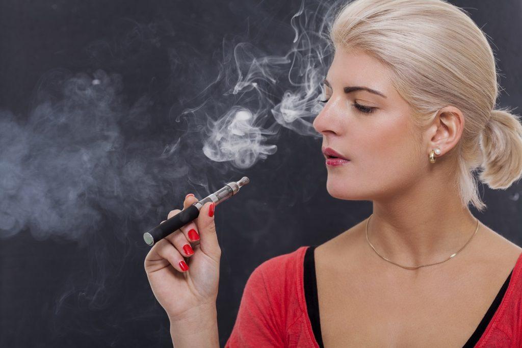 Mit Nikotin zunächst verboten:  E-Zigaretten. Bild:  juniart - fotolia