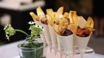 Gesunde Alternative zu Kartoffelchips: Gemüsechips. Bild: MiLo Fotografie - fotolia