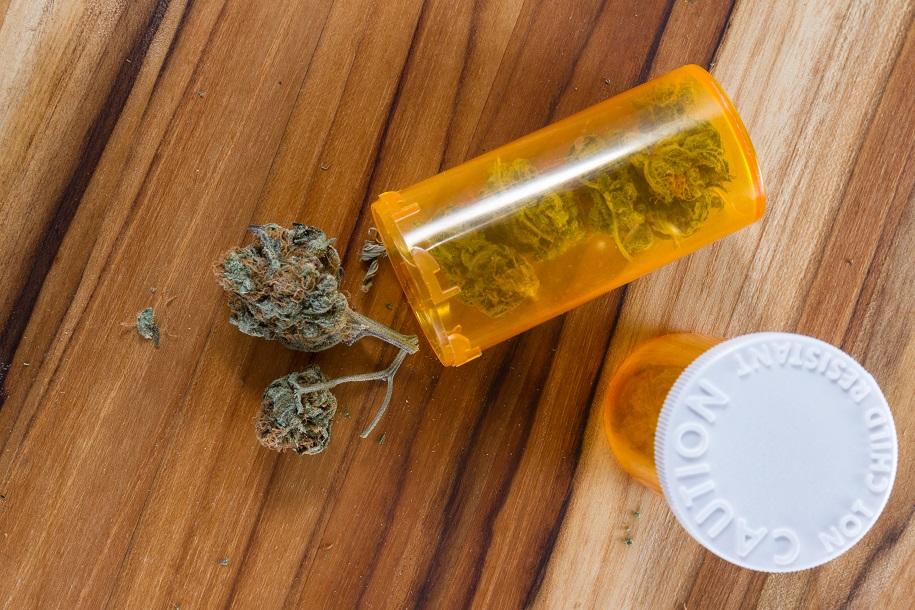 """Giftige """"legale"""" Drogen. Bild: wollertz - fotolia"""